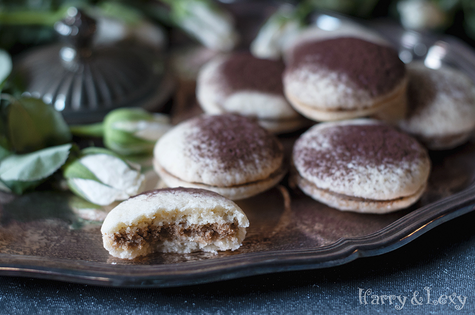 Mascarpone Sandwich Cookies with Cocoa