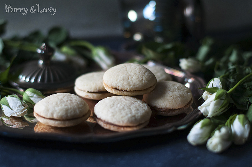 Mascarpone Sandwich Cookies