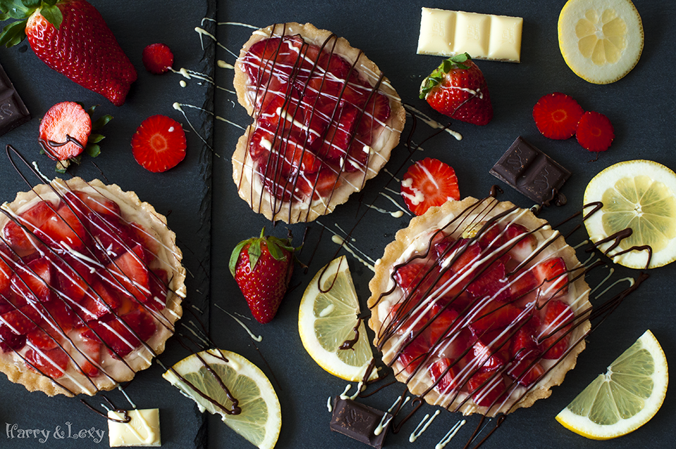 Strawberry Tartlets with Cream Cheese