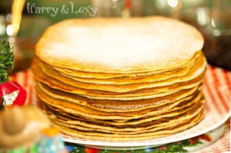Christmas Breakfast Ideas - Gingerbread Pancakes