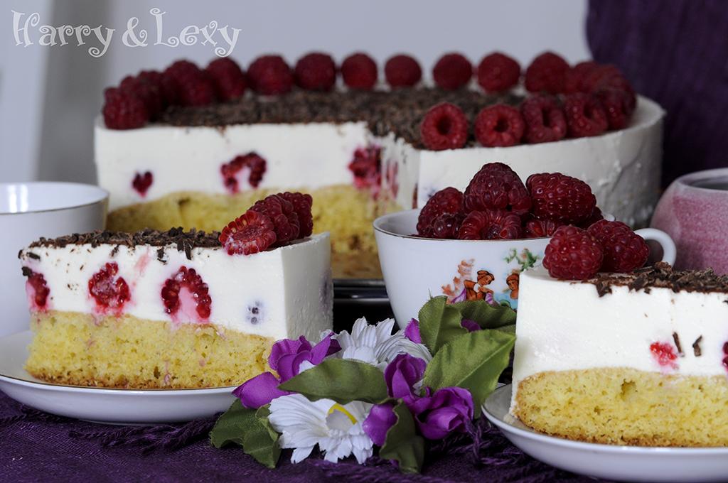 Cream Cake with Raspberries