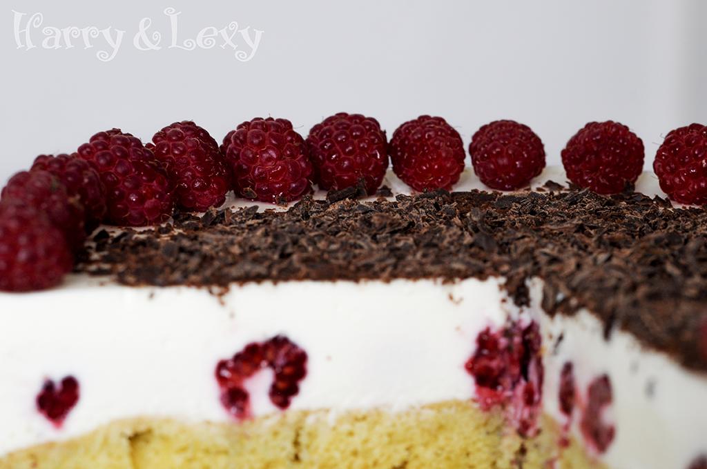 Easy Cream Cake with Raspberries