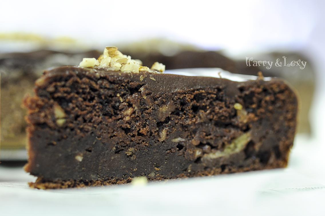 Chocolate Banana Cake with Walnuts