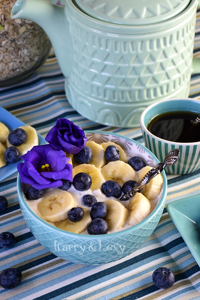 Blueberry Banana Overnight Oats with Chia Seeds