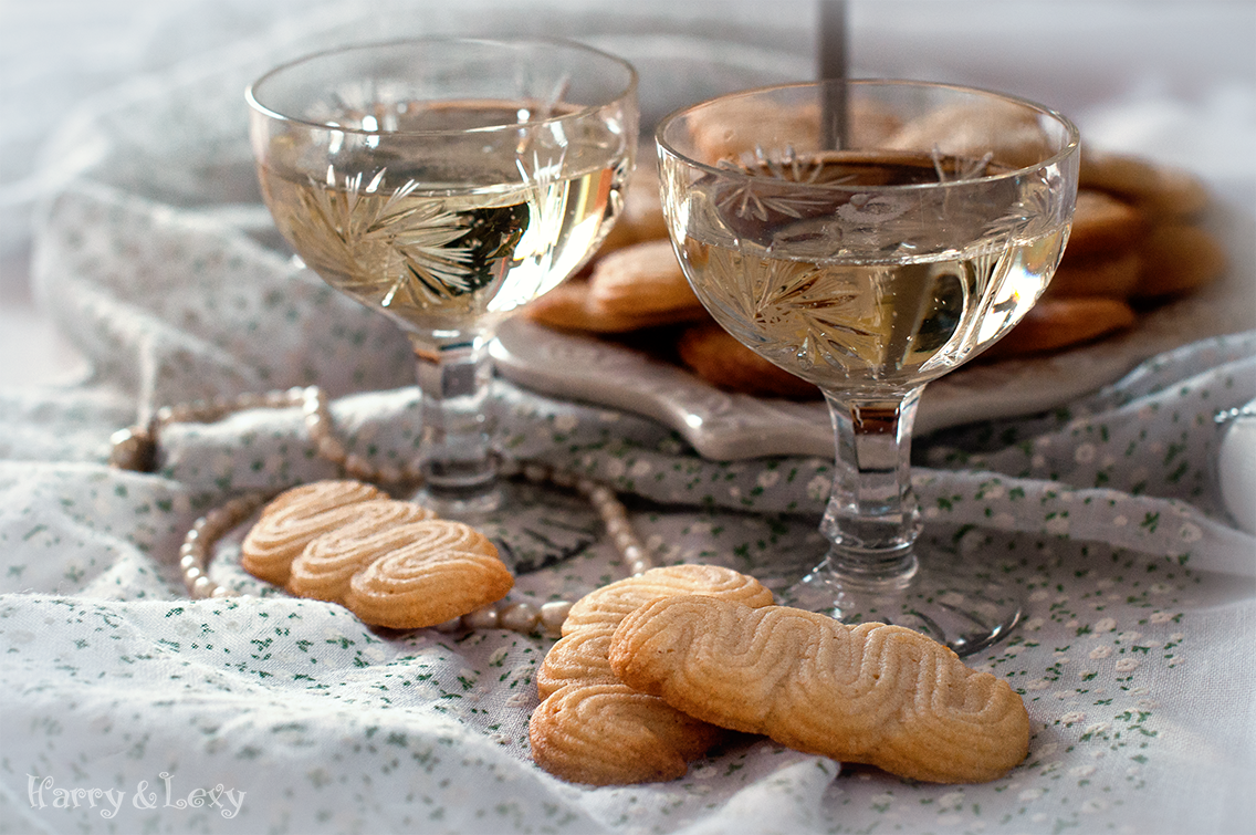 Quick Champagne Cookies